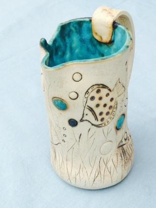 Carafe avec poissons émaillé bleu