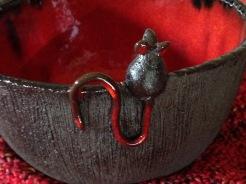 Réservez un fond de bol pour la petite souris qui semble avoir faim... :-)