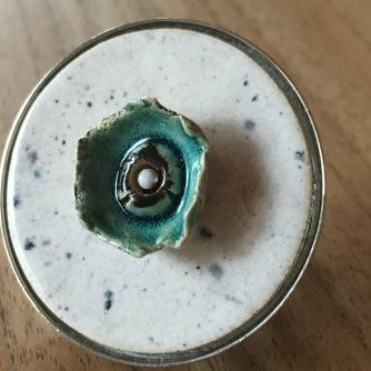 Bague diamètre 4cm sur support métallique
