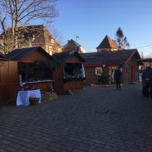 Marché de Noël de Niederbronn-Les-Bains sous le soleil Au moment de l'ouverture