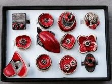 Bagues de couleur rouge