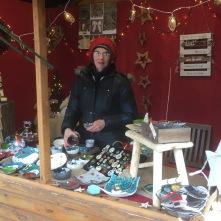 Je suis prête pour vendre mes pièces. J'ai réussi à faire mon stock dans les temps pour Noël.