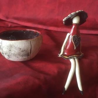 Décorez votre cuisine ou votre salon et buvez votre café ou thé dans le bol sur lequel se trouve la figurine