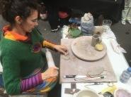 Démonstration de poterie au marché du terroir de Hegeney