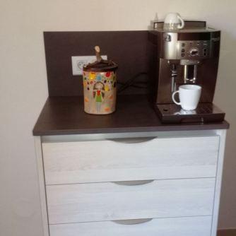 Boite à café avec couvercle en bois